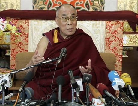 Dalajláma během projevu u příležitosti padesátého výročí protičínských protestů v Tibetu (10. března 2009)