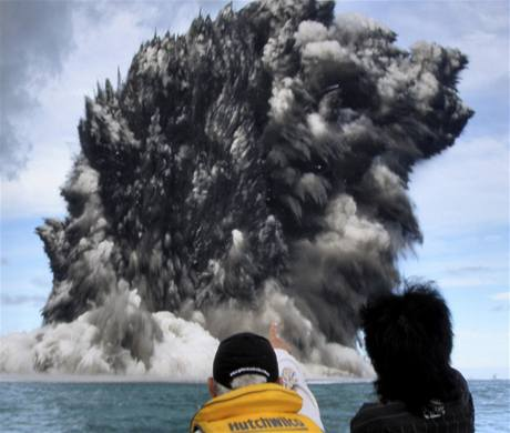 Erupce podmořské sopky u souostroví Tonga (19. 3. 2009)
