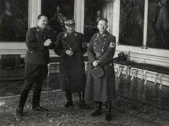 Němci na Hradě: Habsburský salon