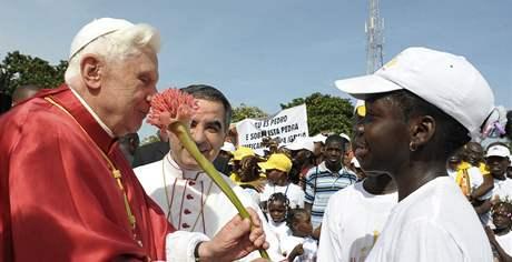 Papež Benedikt XVI. v Angole (21. března 2009)