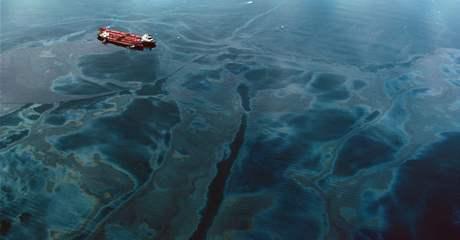 Hav�rie ropn�ho tankeru Exxon Valdez u Alja�ky v b�eznu 1989
