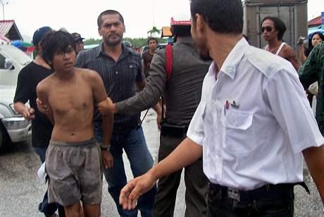 Thajská policie zatkla muže podezřelé z přepadení jachty britského manželského páru