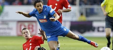 Hoffenheim Hannover: Carlos Eduardo (vpravo) a hostující Hanno Balitsch.