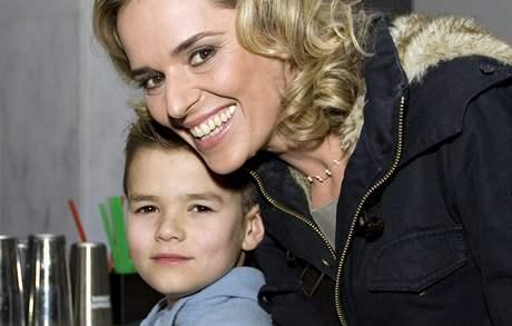Světlana Zárubová se synem Viktorem