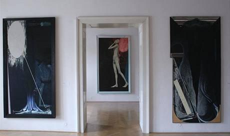 Pohledy do výstavy Stanislavy Judla, která je v klatovské Galerii U Bílého jednorožce instalována do 10. května 2009.