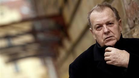 Visszaadta állami díját egy cseh rendező, mert az államfő kitüntette