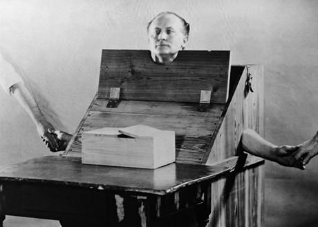 """Harry Houdini se stal průkopníkem umění anglicky nazývaného """"escapology"""""""