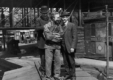 """""""Pořádně to utáhněte!"""" Harry Houdini byl frajerem, který si to mohl dovolit"""