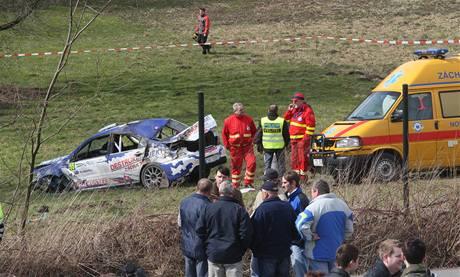 Nehoda na Valašské rallye. Závodní auto usmrtilo tři lidi. (28. března 2009)