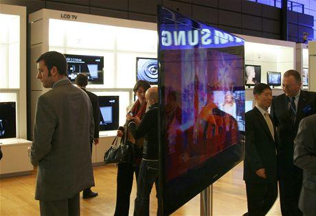 Samsung European Forum 2009 - Prototyp nejtenčí LED televize