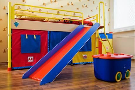 Laminátová plovoucí podlaha není do dětského pokoje příliš ...
