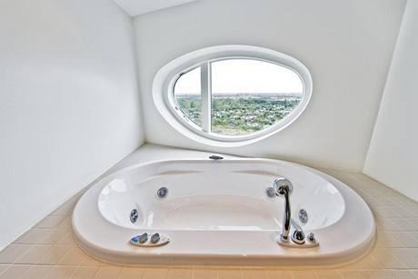 I masážní vany byly vyrobeny v zajímavých tvarech