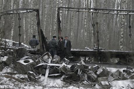 Vrak kamionu, který se srazil s autobusem na cestě do ruského Vladimiru (26. března 2009)