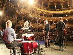 Koncert legendární kapely The Plastic People of The Universe v brněnském Mahenově divadle