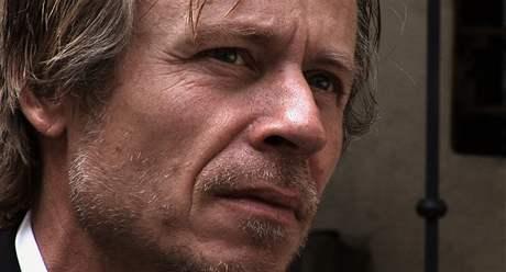 Karel Roden. Holka Ferrari Dino; záběr z filmu Jana Němce.