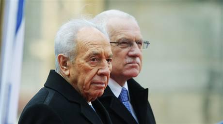 Václav Klaus a Šimon Peres na Hradě.