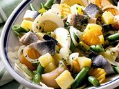 Rybí salát s fazolkami