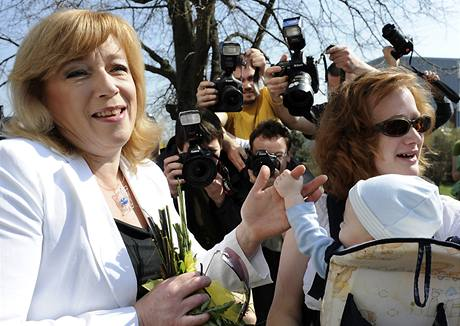 Iveta Radičová během 2. kola slovenských prezidentských voleb