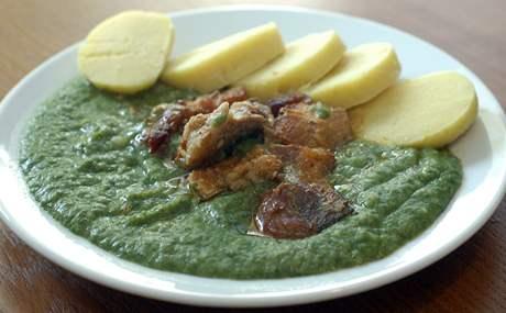 Restaurace Jantar: špenát s bramborovým knedlíkem
