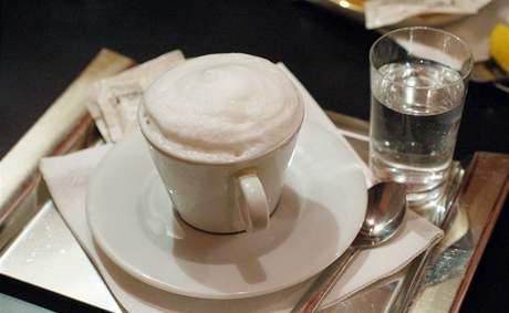 Kavárna JAZZcafe: cappuccino