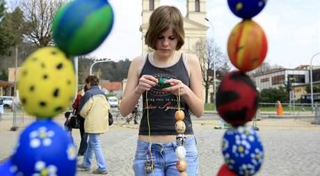 Soutěž o největší počet vyfouknutých vajíček na jednom místě byla dnes na náměstí v Bučovicích.
