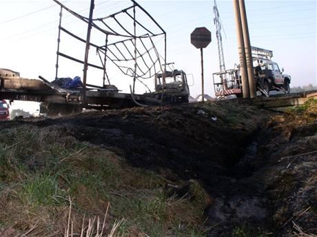 Požár nákladního vozu u Lípy nad Orlicí (31. března 2009)
