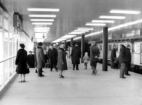 Den otevřených dveří - stanice Gottwaldova 23.11.1973