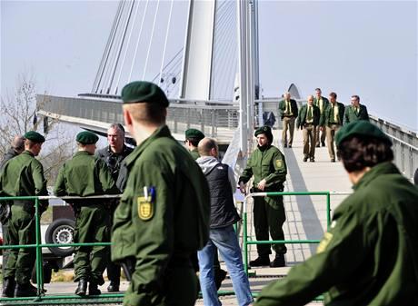 Místo konání summitu NATO střeží tisíce policistů