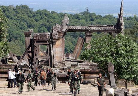 Kambodžští vojáci poblíž chrámu Preah Vihear