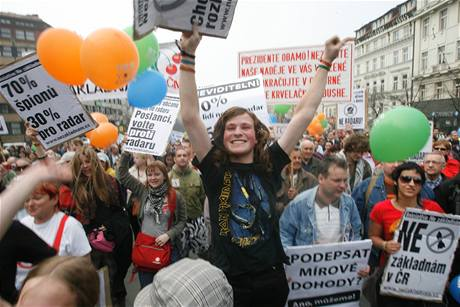 Václavské náměstí ovládly protesty proti radaru (5. dubna 2009)