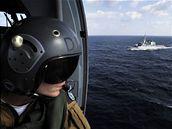 Oblast Adenského zálivu kontrolují kvůli pirátům lodě několika států