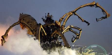 Obří pavouk v Jokohamě