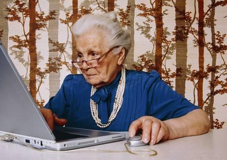 77letá seniorka vyvíjející aplikace pro iPhone. Fakt, nebo výmysl? - Ilustrační foto