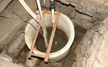 Stará studna bez obsypání