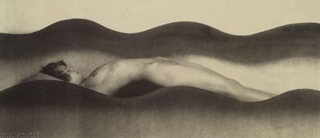 František Drtikol; fotografie s názvem Vlna