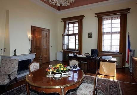 Pracovna premiéra v Hrzánském paláci