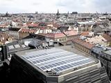 Národní divadlo (solární panely na střeše)