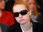 Přítelkyně Bohumíra Durička Lucie Staňková u soudu při vyhlašování rozsudku
