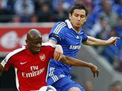 Frank Lampard (vpravo) při utkání s Arsenalem