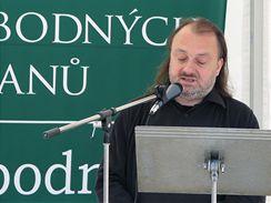 Tajemník prezidenta Ladislav Jakl předčítá krkolomnou Lisabonskou smlouvu