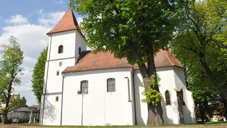 Kostel na náměstí v Drásově