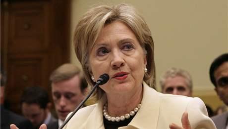 Americká ministryně zahraničí Hillary Clintonová hovoří před zahraničním výborem (22. dubna 2009)