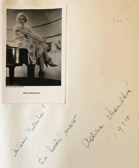 Vzkaz Adiny Mandlové v návštěvní knize hotelu Palace.