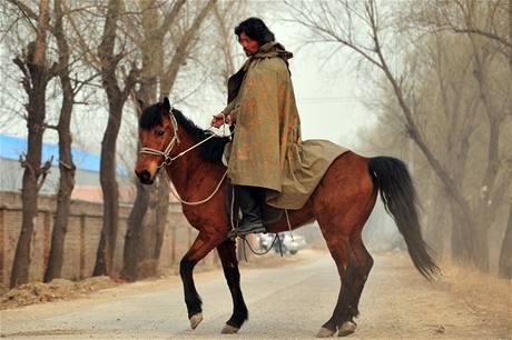 A Li Ťing, který nyní žije v Rusku a je velkým obdivovatelem Čingischána, letos v březnu dokončil sólo jízdu z centrálního Ruska do Pekingu.