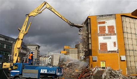 Demolice obchodního domu