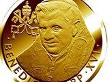 Zlatá pamětní medaile ražená při příležitosti návštěvy papeže Benedikta XVI. v České republice