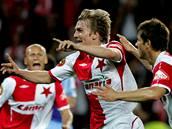 Slávista Milan Černý slaví gól, kterým vyrovnal na 3:3.