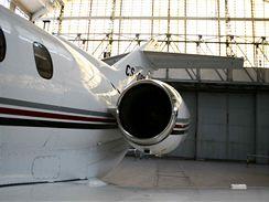 Levý motor letadla Hawker 800XP