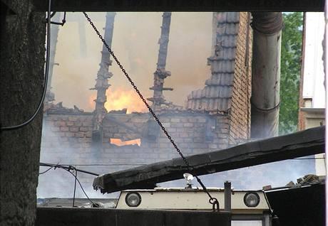 Požár stodoly v Chabařovicích (30. dubna 2009)