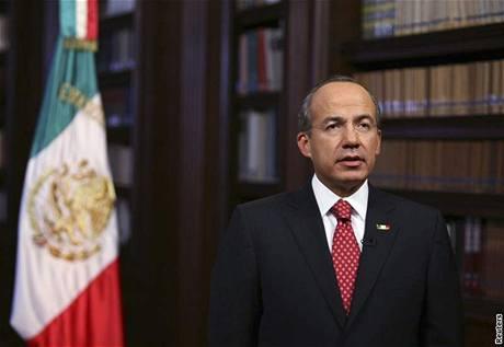 Mexický prezident Felipe Calderon se v televizi poprvé vyjádřil k prasečí chřipce (30. dubna 2009)